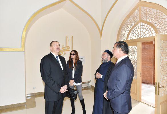 Президент Азербайджана и его супруга ознакомились с ходом ремонтно-восстановительных и строительных работ в комплексе «Имамзаде» в Гяндже (ФОТО)
