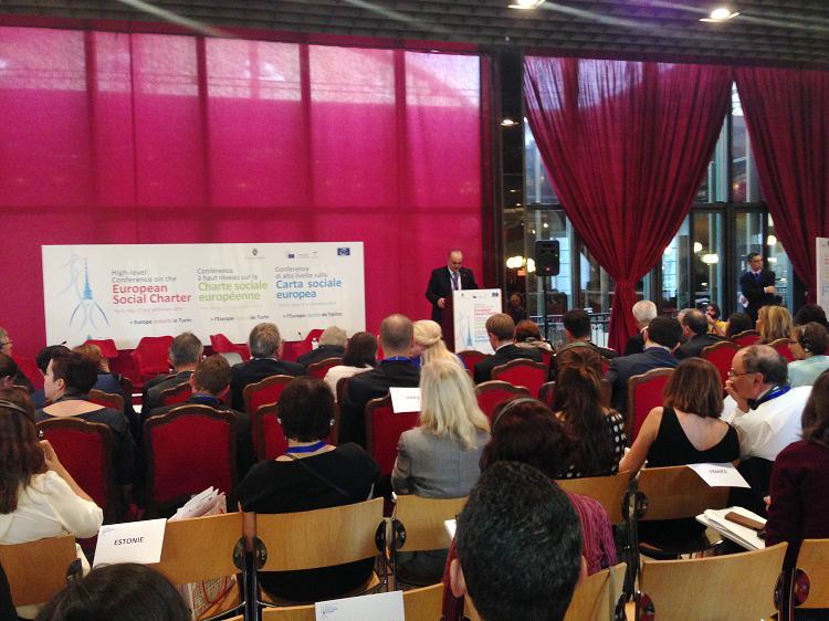 В Азербайджане система соцобеспечения охватывает 22% населения - министр (ФОТО)