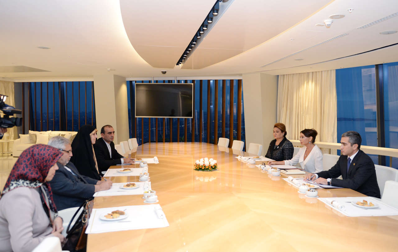 Первая леди Азербайджана встретилась с вице-президентом Ирана по вопросам семьи и женщин (ФОТО)