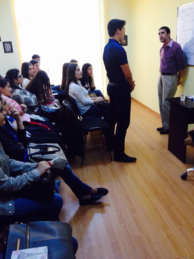 Американская школа с носителями языка (ФОТО)