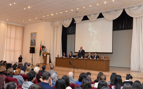 Состоялась презентация книги академика Рамиза Мехтиева  «Шах Исмаил Сефеви: портрет правителя и воина» (ФОТО)