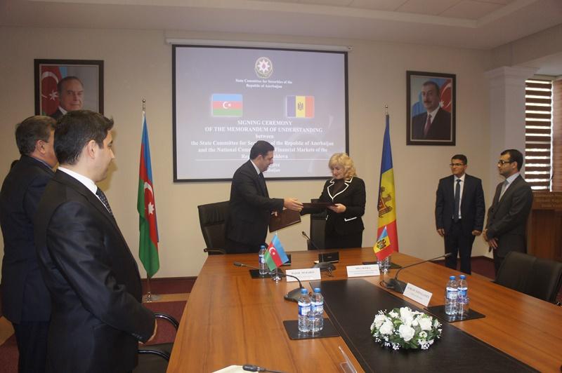 Азербайджан и Молдова подписали меморандум о сотрудничестве в сфере рынков ценных бумаг (ФОТО)