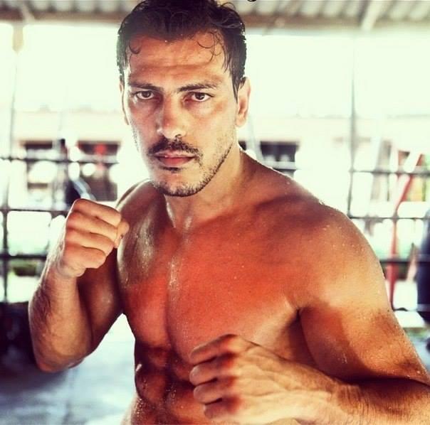 Известный азербайджанский мастер кикбоксинга проведет следующий бой в США (ФОТО)