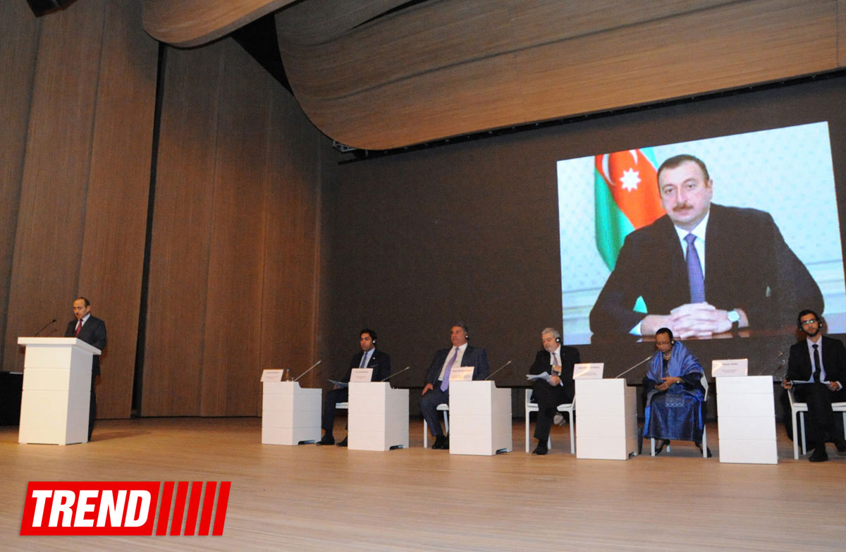 В Баку проходит первый Глобальный форум по молодежной политике (ФОТО)