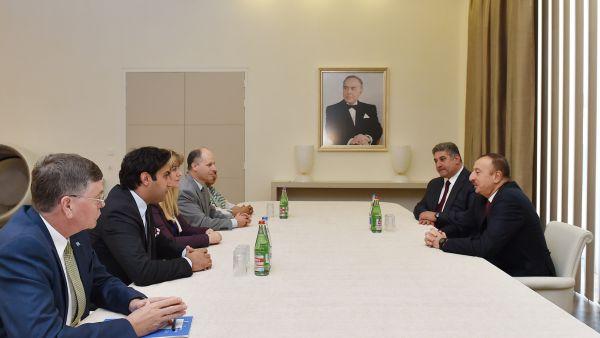 Президент Азербайджана принял представителей международных организаций