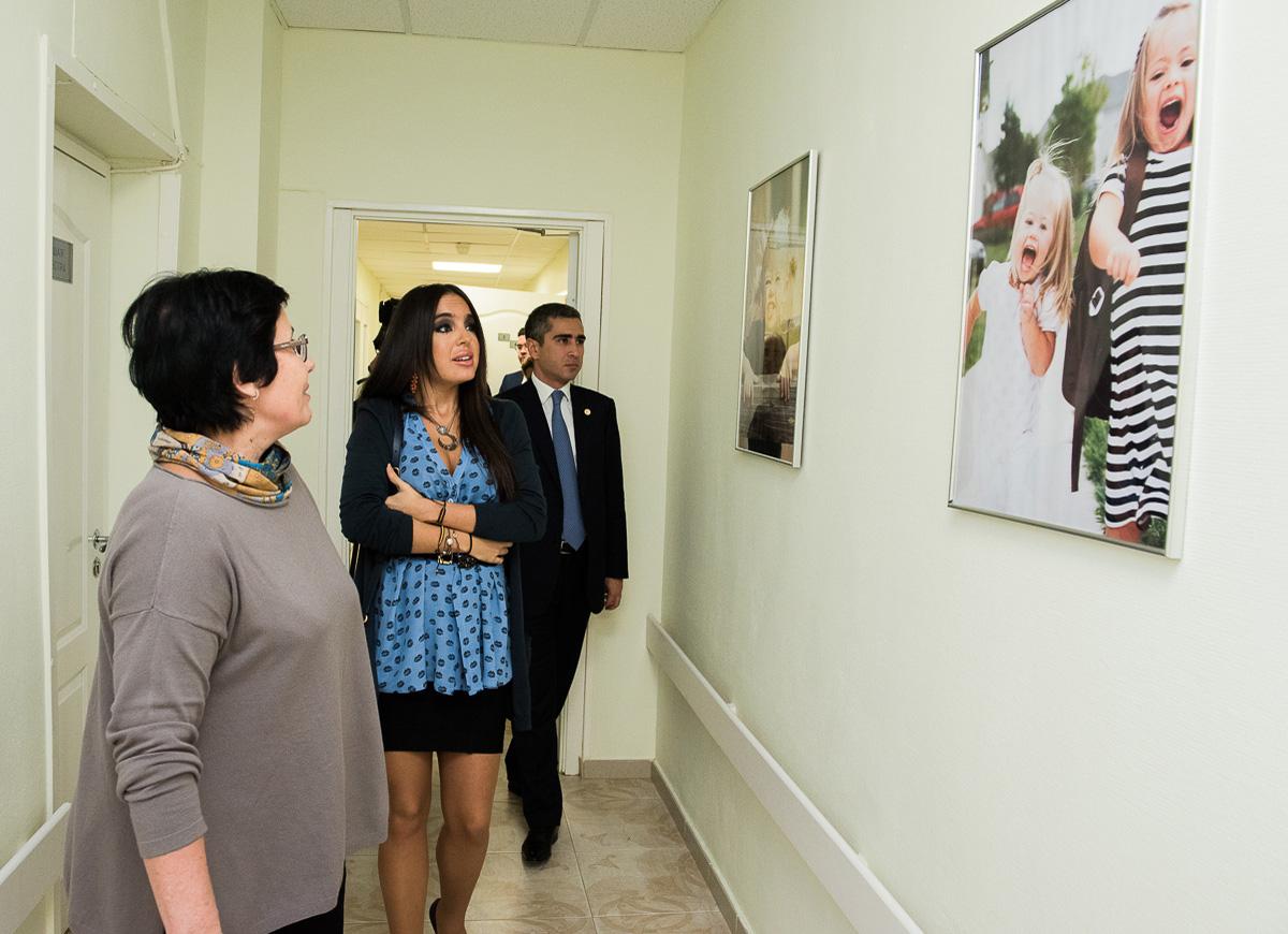 Вице-президент Фонда Гейдара Алиева Лейла Алиева посетила ряд детдомов и школ-интернатов в Санкт-Петербурге (ФОТО)