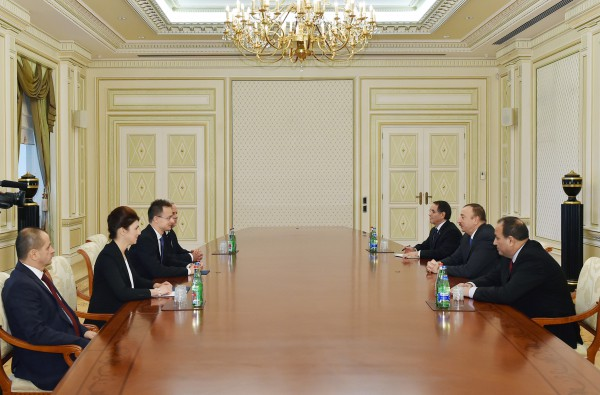 Azerbaijani president receives Hungarian minister of foreign affairs and trade