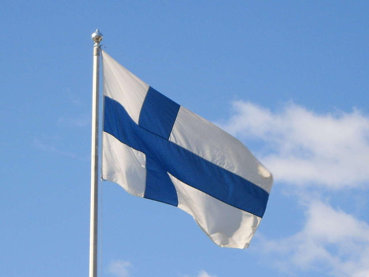 Finlandiyada dünyanın ən böyük bayrağı ucaldılıb