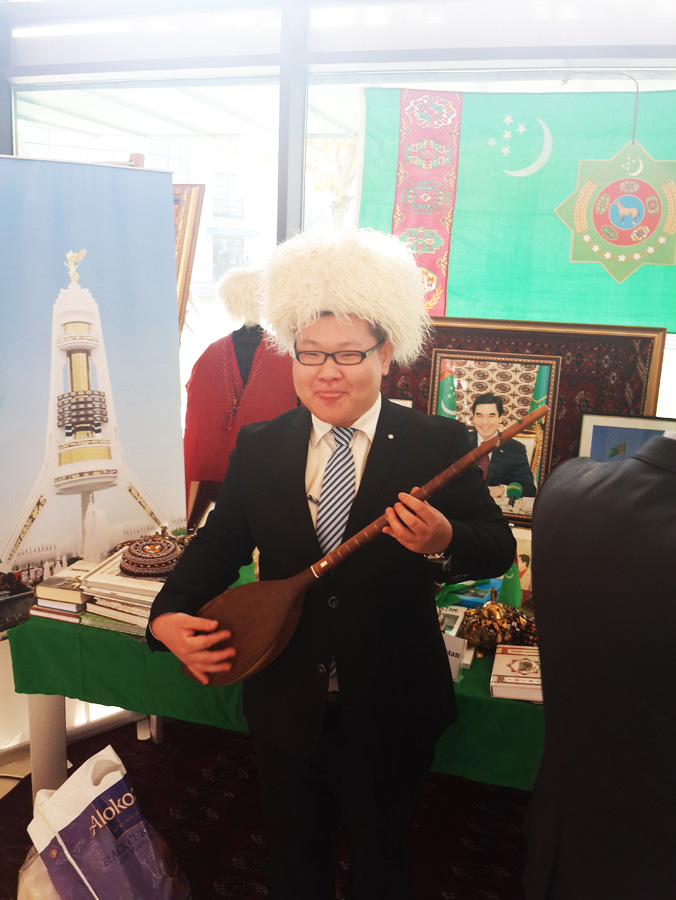 Посольство Туркменистана приняло участие на 4-ом Международном Фестивале в Университете АДА (фотосессия)