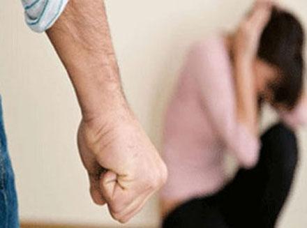 Keşlədə qadına zor tətbiq edən Şamaxı sakini saxlanıldı
