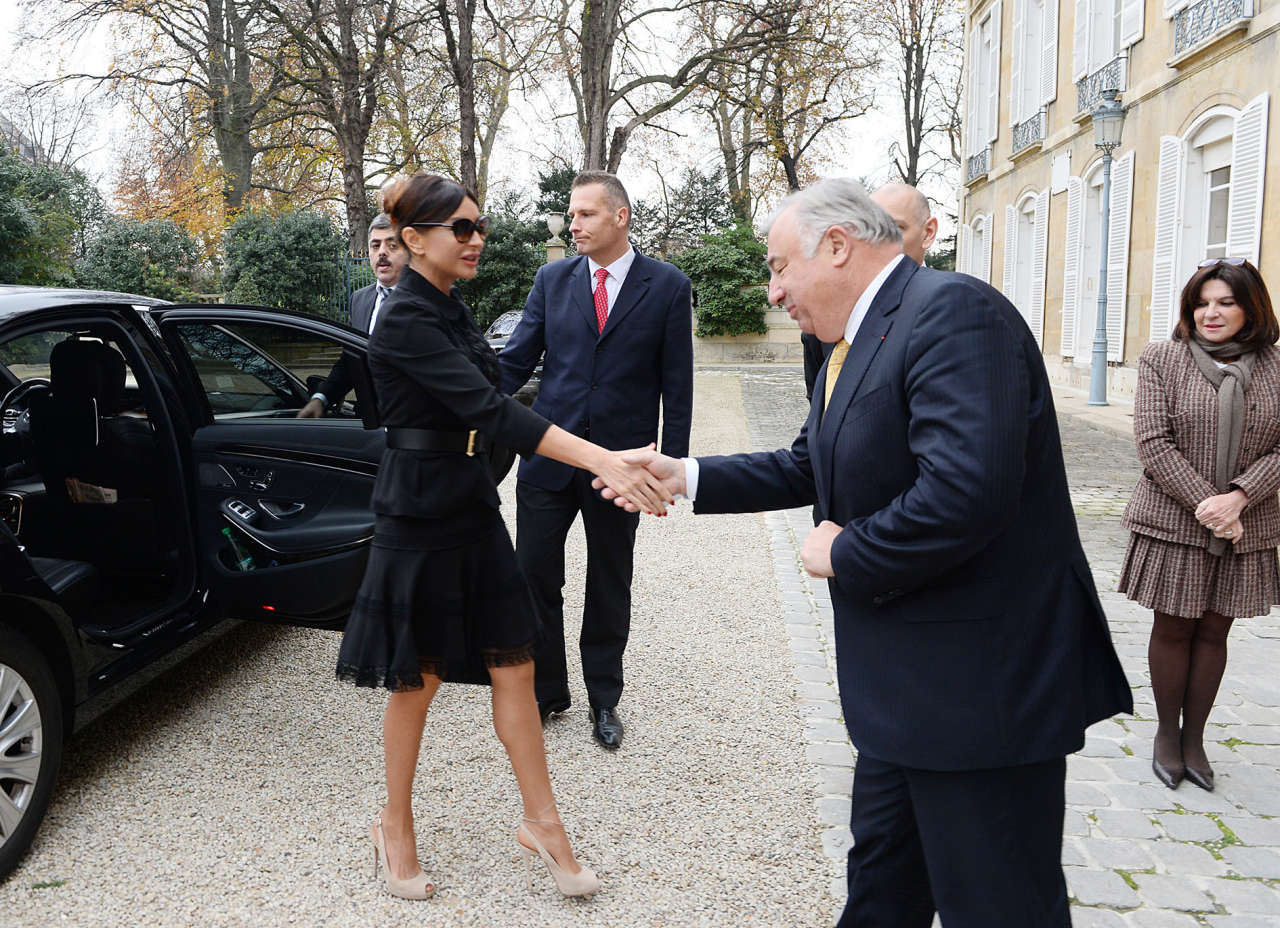 Azerbaijan`s First Lady Mehriban Aliyeva meets president of French Senate