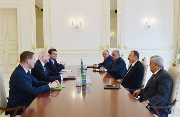 Президент Азербайджана принял исполнительного директора bp (ФОТО)