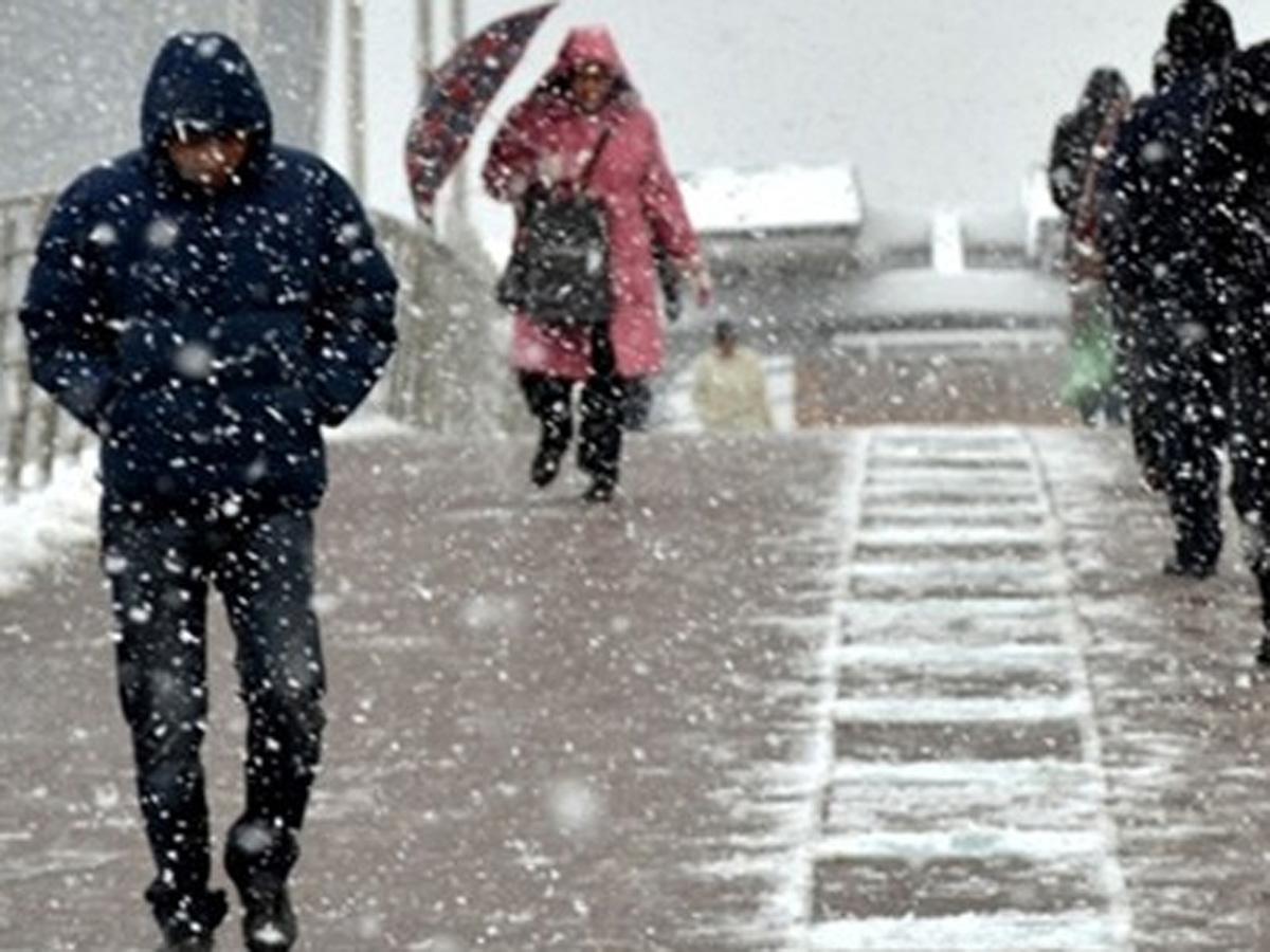 Ankarada güclü qar və buz səbəbindən məktəblər üçün tətil elan edilib