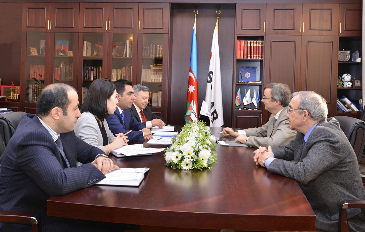 """Исполнительный директор """"Total"""" по Азербайджану посетил Бакинскую высшую школу нефти (ФОТО)"""