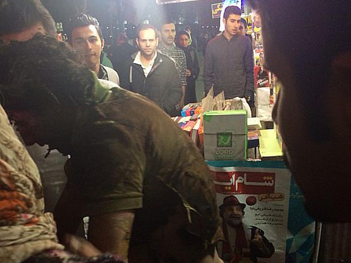 В Тегеране молодой человек совершил попытку самосожжения (ФОТО)