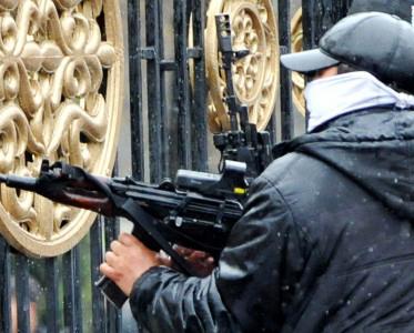 Terrorçular hərbi bazaya hücum edib: 17 ölü