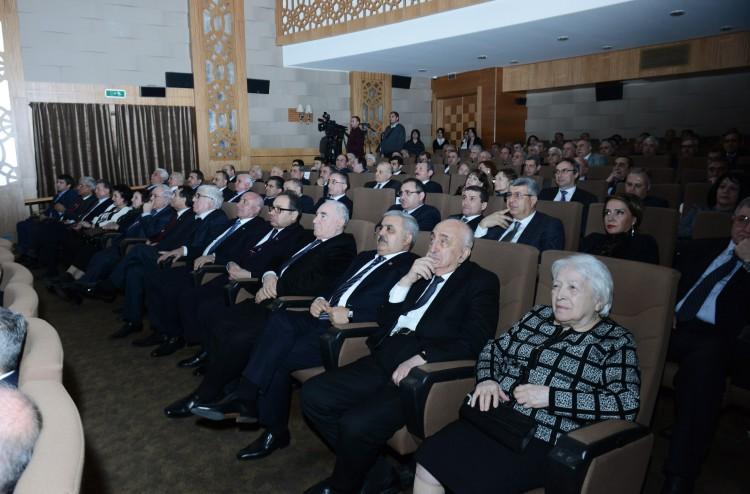 Состоялась презентация фильма «Fədakar», посвященного юбилею первого вице-президента компании SOCAR, академика Хошбахта Юсифзаде (ФОТО)