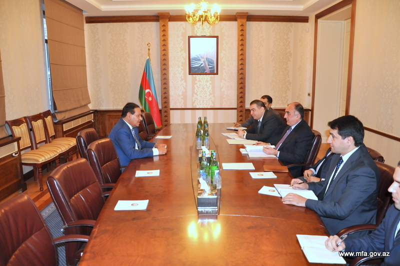 Azerbaijani FM receives Qatar's new ambassador (PHOTO)