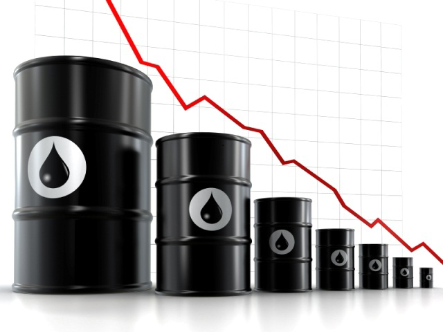 Oil price slowly recovers from ten-month low