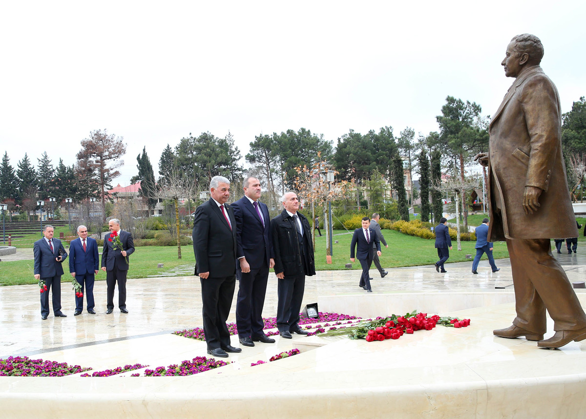 Binəqədi Rayon İcra Hakimiyyəti hesabat verdi (FOTO)