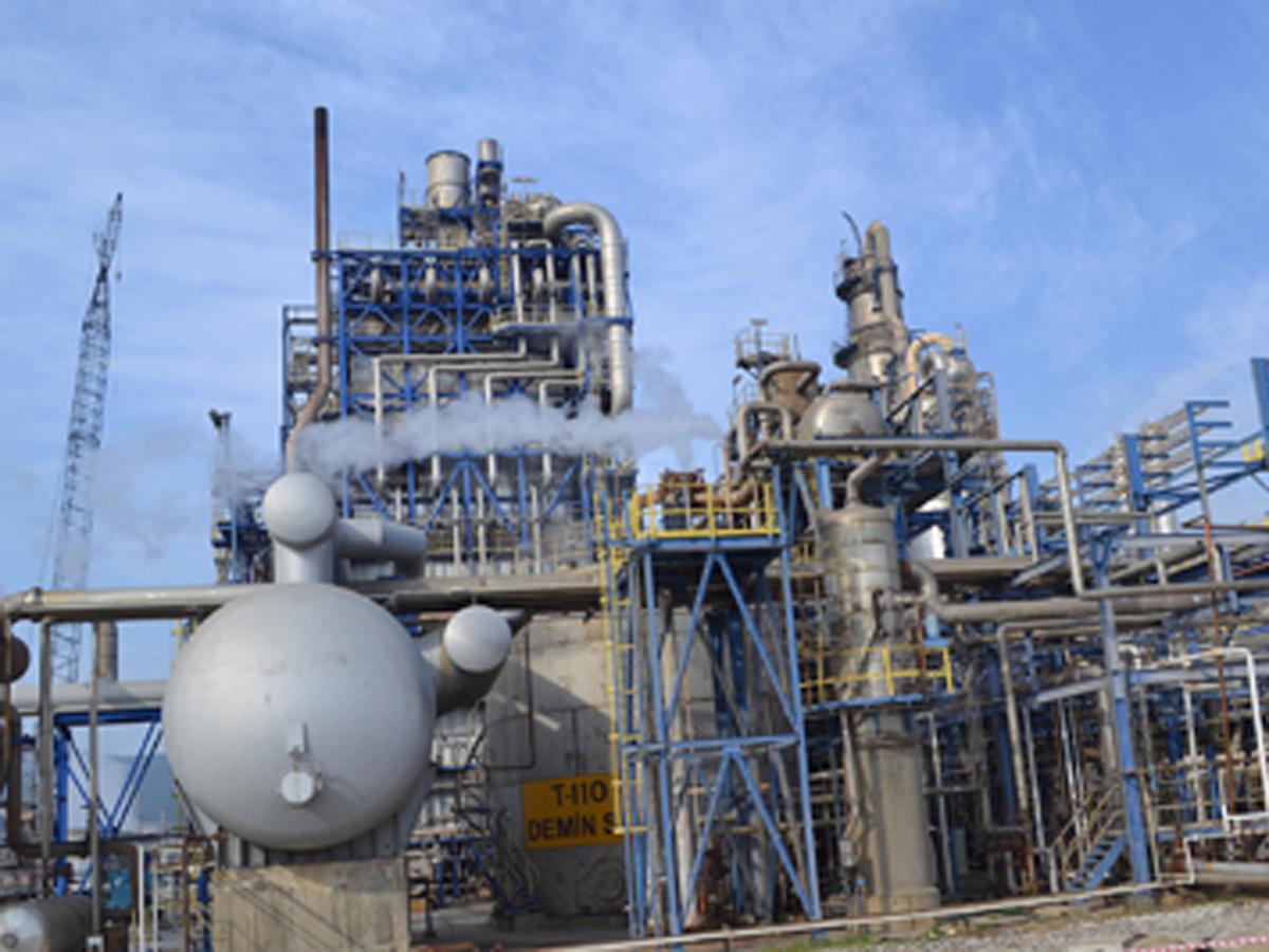 https://cdn2.trend.az/media/pictures/2015/02/24/trend_oil_plant_211113_main.jpg