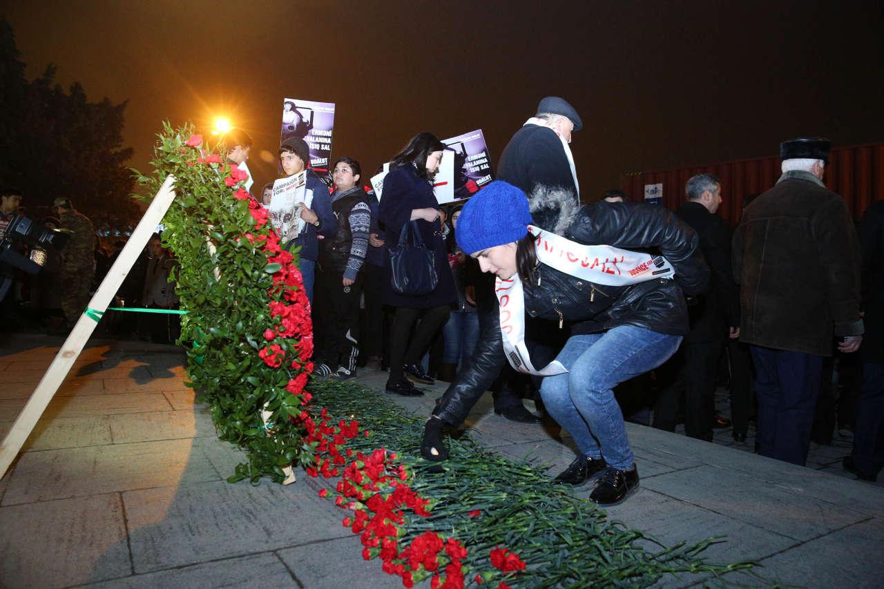 Binəqədi rayonunda Xocalı soyqırımının 23-cü ildönümü ilə əlaqədar yürüş keçirilib (FOTO)