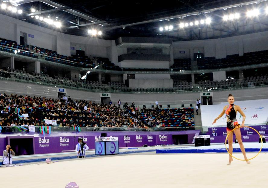 Азербайджанская гимнастка занимает второе место в многоборье (ФОТО)