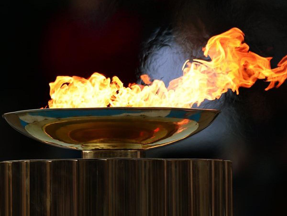 ВГреции прошла церемония зажжения олимпийского огня зимних Игр