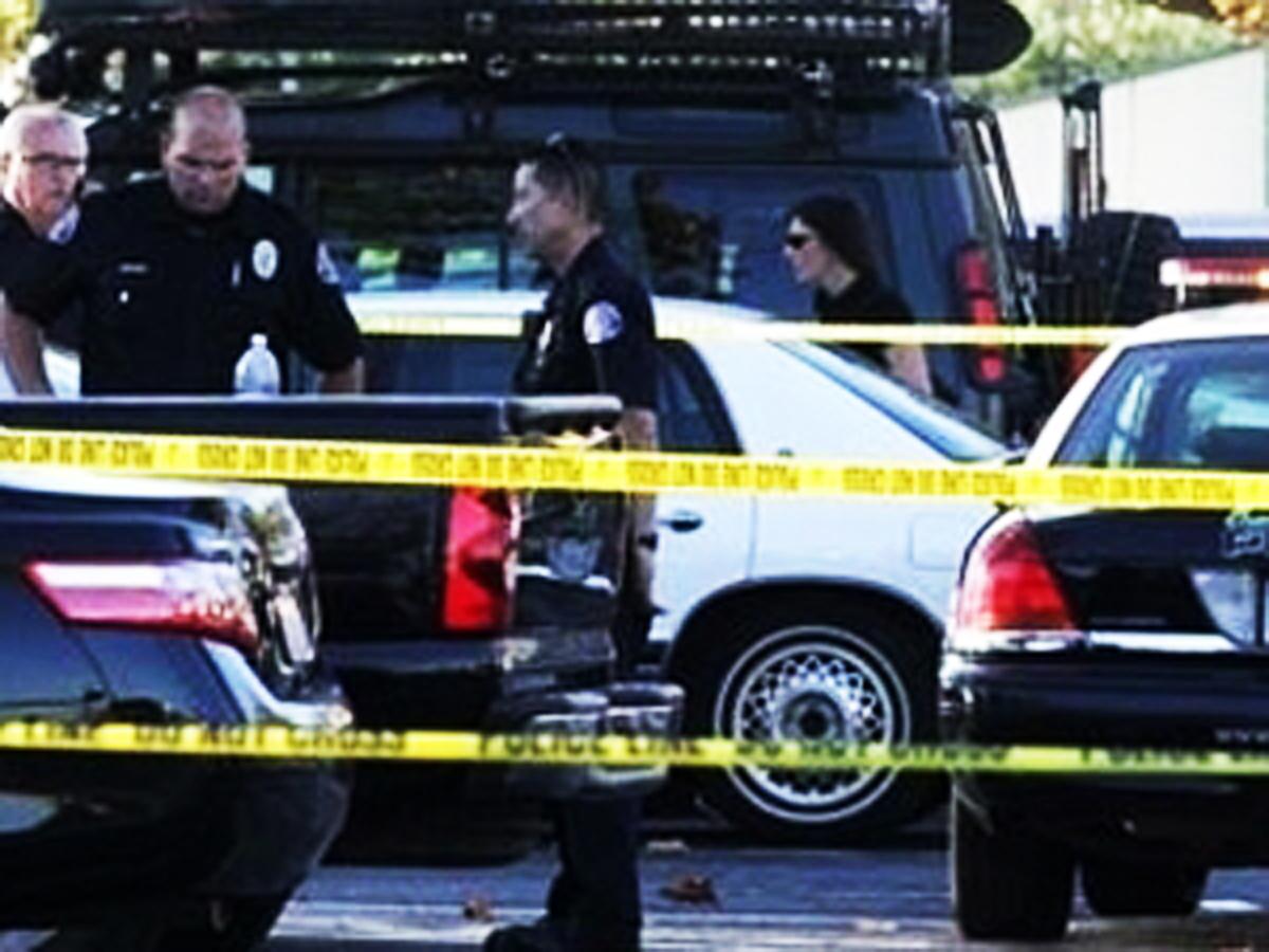 Floridada polislərlə cinayətkarlar arasında atışma olub, ölənlər var