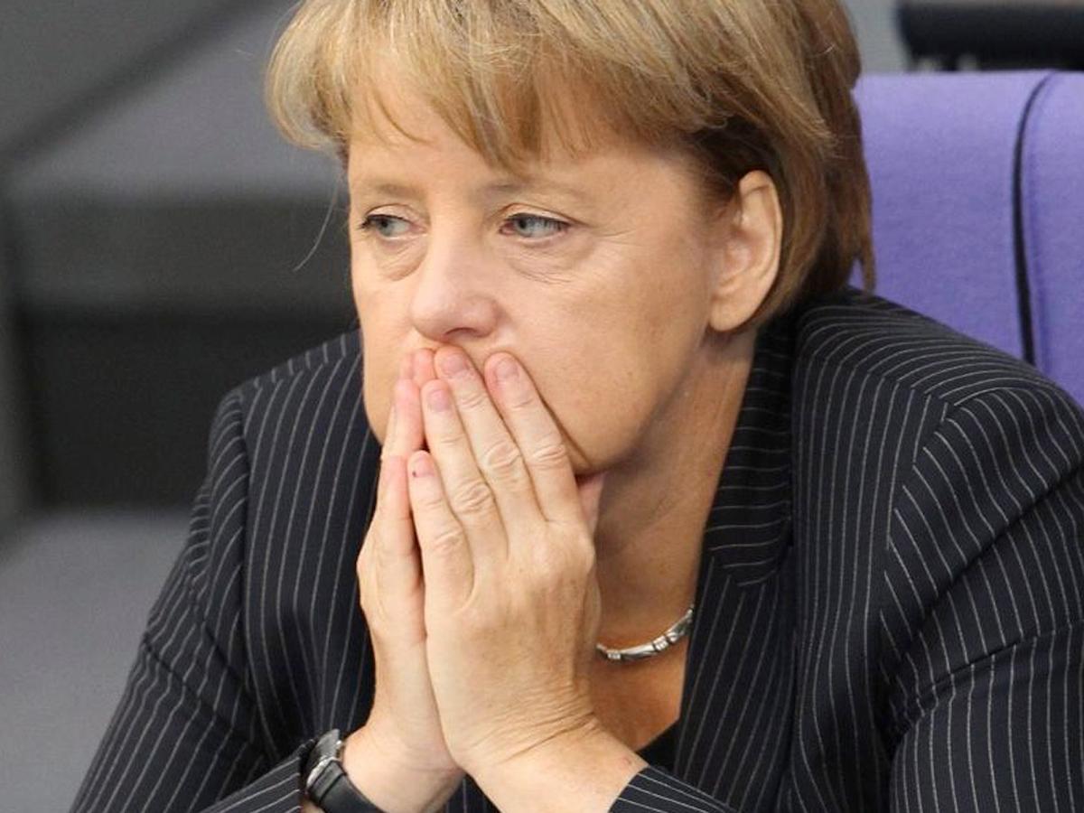 Меркель сказала о  неизменности позицииЕС помигрантам