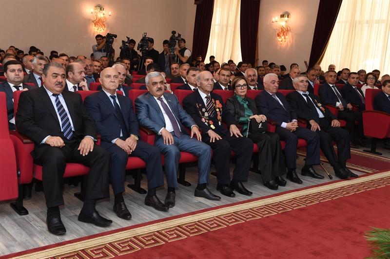 Bakı Ali Neft Məktəbində Qələbənin 70 illiyi münasibətilə tədbir keçirilib (FOTO)