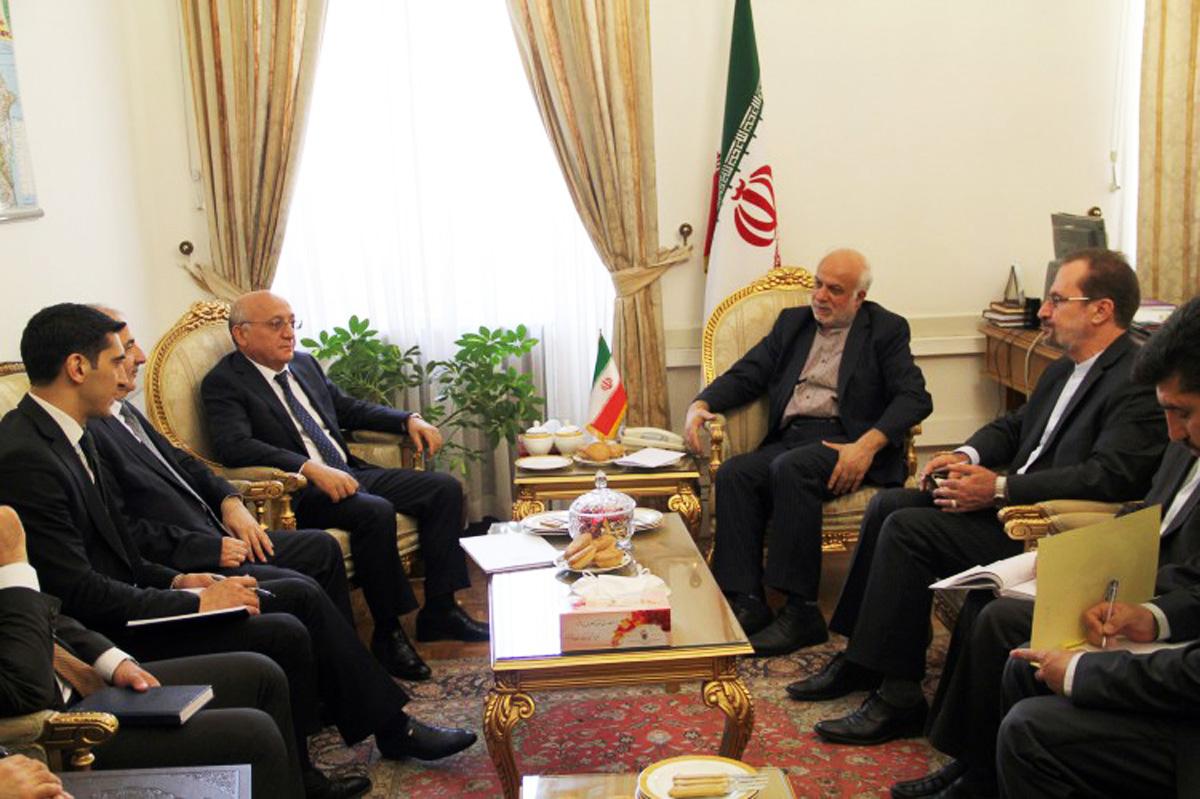 Mübariz Qurbanlının İranda verdiyi tövsiyə: Savadlı din xadimləri yetişməsə... (FOTO)