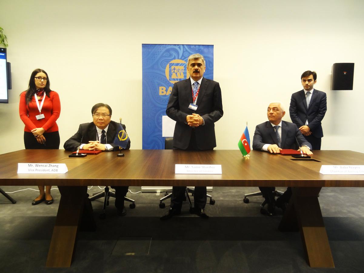 Azərbaycan və Asiya İnkişaf Bankı 1 milyard dollar həcmində saziş imzaladı (ƏLAVƏ OLUNUB) (FOTO)