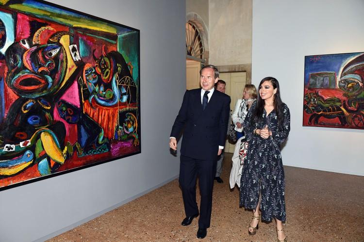 """Leyla Əliyeva 56-cı """"Venesiya Biennalesi"""" çərçivəsində Azərbaycan pavilyonunda iki sərginin açılışında iştirak edib (FOTO)"""