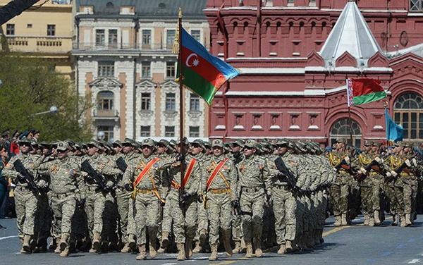 Hərbi qulluqçularımız Moskvada keçirilən paradda iştirak ediblər (FOTO)