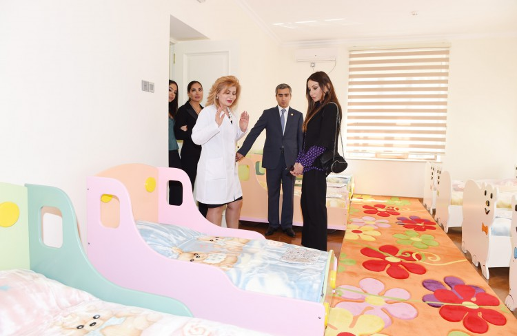 Mehriban Əliyeva Bakıda 1 nömrəli körpələr evinin yenidənqurmadan sonra açılışında iştirak edib (FOTO)