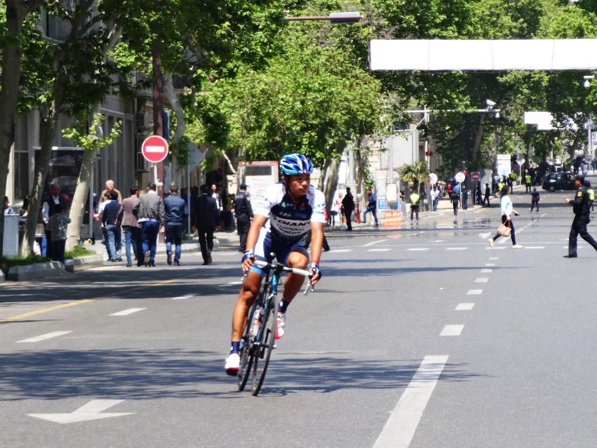 """""""Tour d`Azerbaidjan-2015"""" veloyürüşündə üç velosipedçi irəlidədir (FOTO)"""