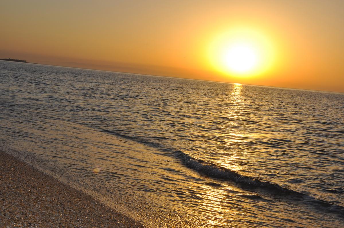 BAKI-2015: Günəş, dəniz, çimərliklər, dalğalar və qürub (FOTO)