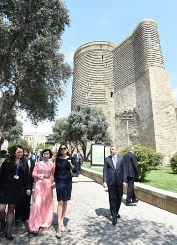 """Azərbaycan və Vyetnamın birinci xanımları """"İçərişəhər"""" Dövlət Tarix-Memarlıq Qoruğunda olublar (FOTO)"""