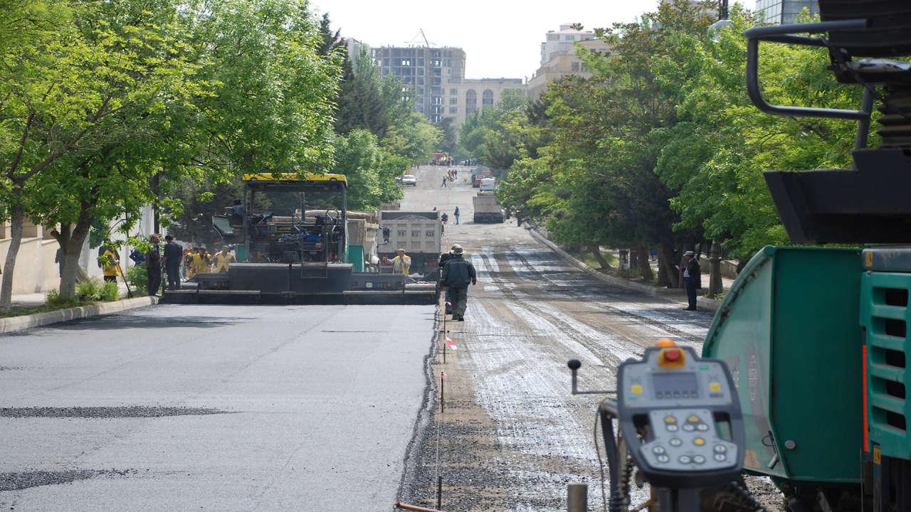 BDU-nun qarşısındakı bağlı küçə sabahdan istismara veriləcək (FOTO)