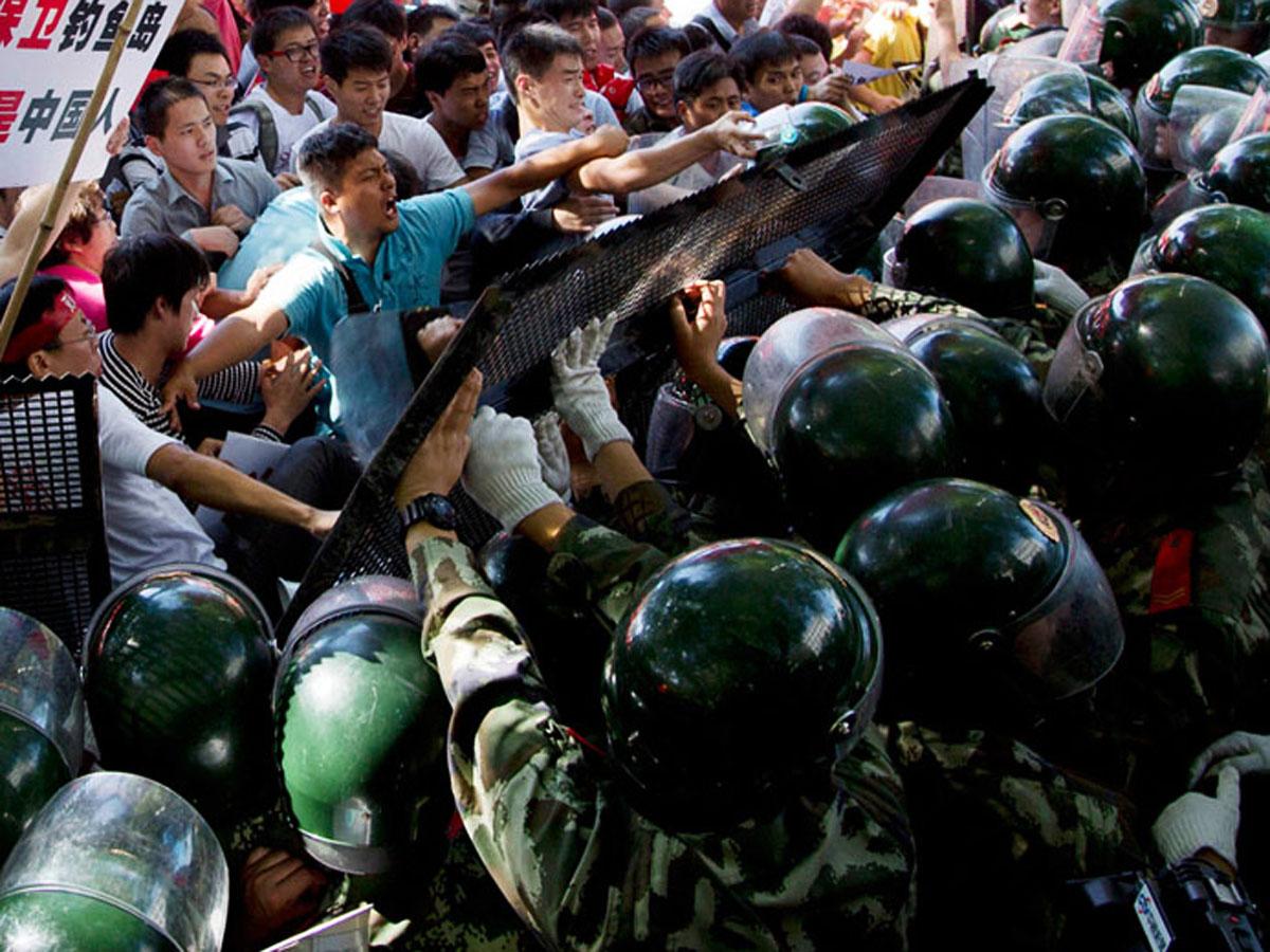 Honq Konqda etirazlar zamanı 400-ə yaxın insan saxlanılıb