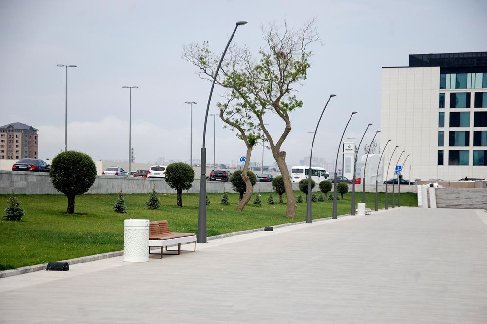 Bakı-2015: Yeni Ağ Şəhər bulvarında gəzinti (FOTO)