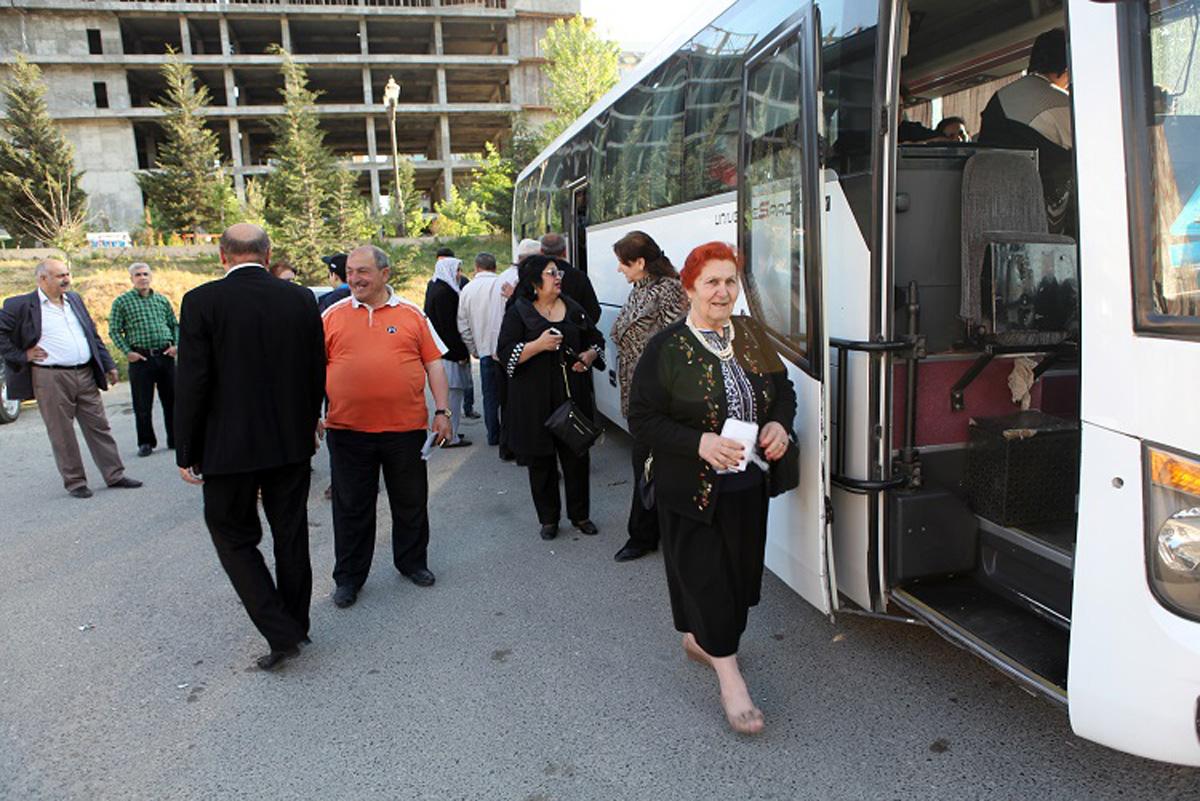 50 əlil istirahət mərkəzinə yola salınıb (FOTO)