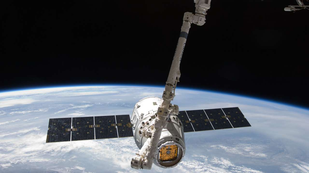 SpaceX's Broadband-From-Space Plan Gets Final US FCC Approval
