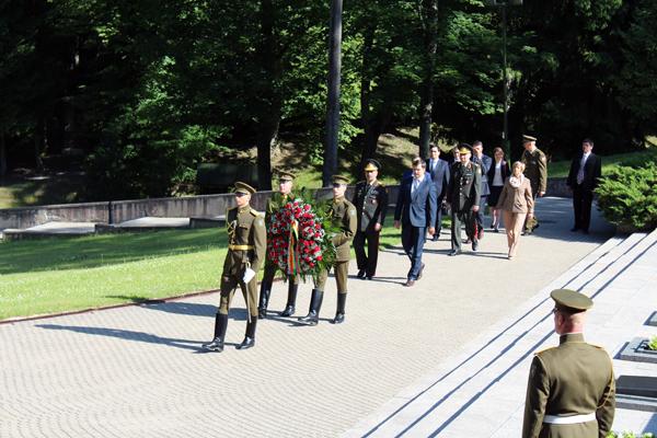 Litvada Azərbaycanla hərbi əməkdaşlığın genişləndirilməsinə dair müzakirələr aparılıb (FOTO)