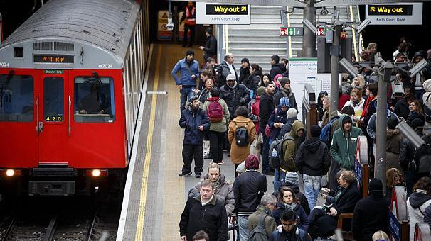 Великобритания: эвакуированы пассажиры еще одной станции метро