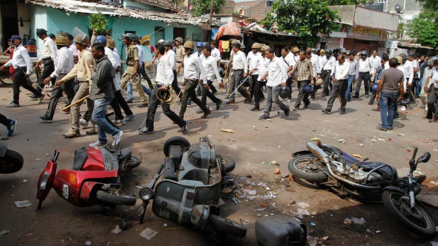 Hindistanda divar uçub: 12 nəfər ölüb