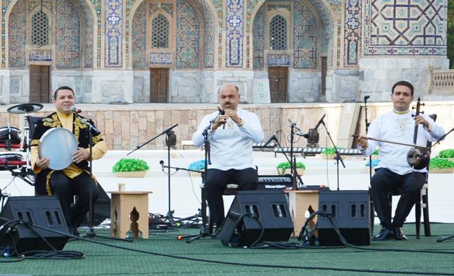 """Азербайджанская """"Бута"""" на древней площади Самарканда (ВИДЕО,ФОТО)"""