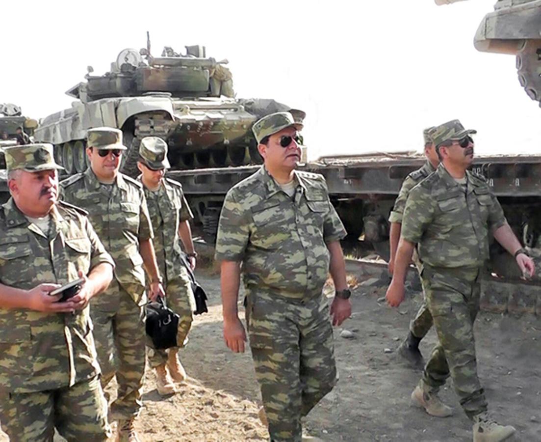 Azerbaycan'da askeri tatbikatlara zırhlı araçlar katıldı (Foto Haber)