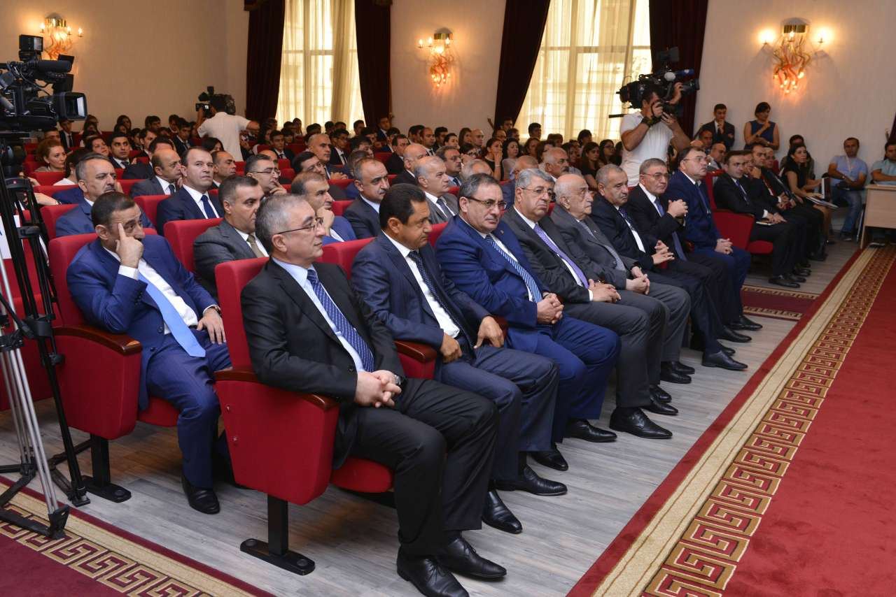 Бакинская Высшая Школа Нефти успешно начинает учебный год